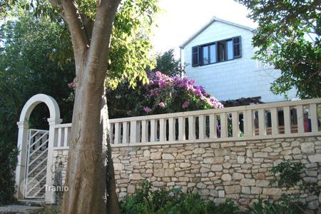 Coastal houses for sale in Bol. Villa - Bol, Split-Dalmatia County, Croatia