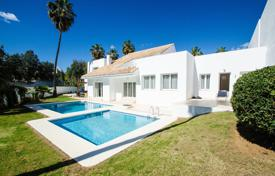 Property to rent in Malaga. Detached house – Malaga, Andalusia, Spain