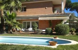 4 bedroom houses by the sea for sale in Sant Vicenç de Montalt. Villa – Sant Vicenç de Montalt, Catalonia, Spain