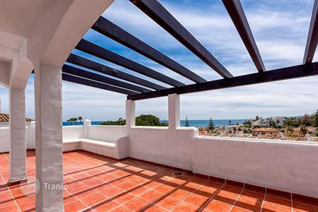 Houses with pools for sale in Estepona. Country seat – Estepona, Andalusia, Spain