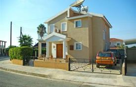Property for sale in Chloraka. 3 Bedroom Detached Villa in Quiet Residential Area, Title Deeds — Chlorakas