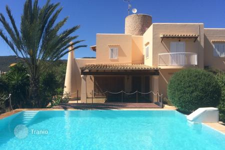 6 bedroom villas and houses to rent in Ibiza. Detached house – Ibiza, Balearic Islands, Spain