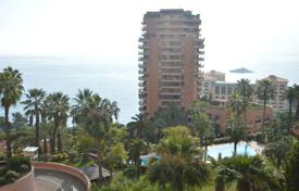 Apartments for sale in Monaco. Two rooms apartment with a swimming pool and sea view