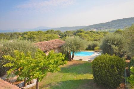 2 bedroom houses for sale in France. Villa - La Roquette-sur-Siagne, Côte d'Azur (French Riviera), France
