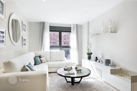 4 bedroom apartments for sale in Spain. Spacious apartment with a terrace, in a new residential complex, near the famous Sagrada Familia Сathedral, Barcelona, Spain