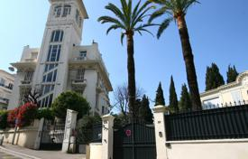 Residential for sale in Cimiez. Lovely bourgeois apartment on the last floor