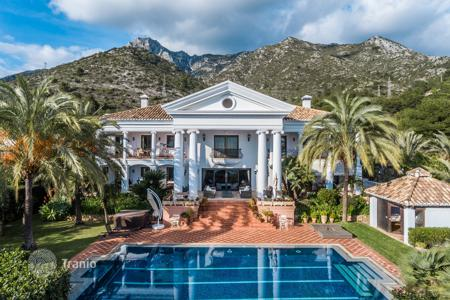 5 bedroom houses by the sea for sale in Costa del Sol. Spectacular Villa, Sierra Blanca, Marbella Golden Mile (Marbella)
