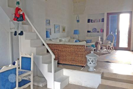 Villas and houses for rent with swimming pools in Apulia. Oasi dei Santi