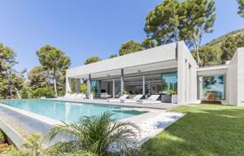 4 bedroom houses for sale in Pollença. Modernist villa with a swimming pool, a garage and a sea view, Formentor, Mallorca, Spain