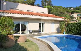 Houses for sale in Costa Brava. Villa – Lloret de Mar, Catalonia, Spain