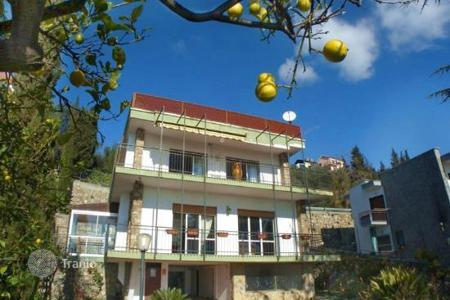 Property for sale in Province of Imperia. Villa – Province of Imperia, Liguria, Italy