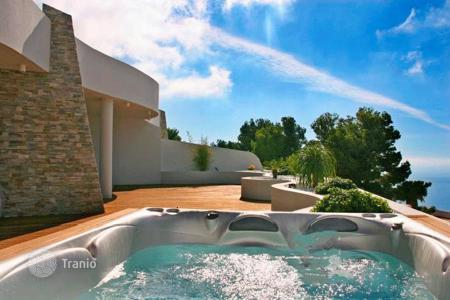 Apartments with pools for sale in Altea. Apartment in Altea, Alicante