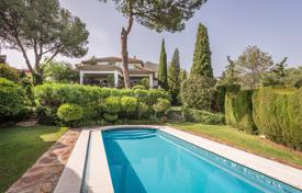 4 bedroom houses for sale in Marbella. Imposing Villa in Cascada de Camojan, Marbella Golden Mile
