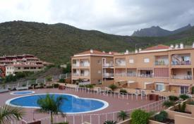 Apartments with pools for sale in Tenerife. Spacious one-bedroom apartment in Madroñal in a modern residential complex