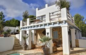 Residential to rent in Es Cubells. Villa with a private garden, a pool and a barbecue area, Es Cubells, Spain