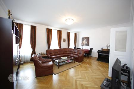 3 bedroom apartments for sale in Austria. Respectable apartment with terrace in a central district of Vienna — Mariahilf