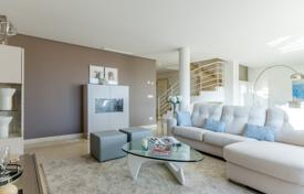 3 bedroom apartments for sale in Andalusia. Apartments in Vista Real, Nueva Andalucía (Marbella)