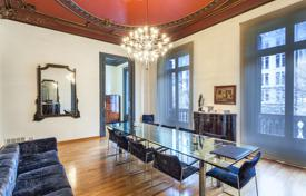6 bedroom apartments for sale in Catalonia. Apartment – L'Eixample, Barcelona, Catalonia, Spain