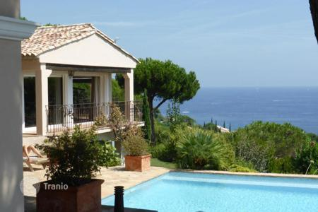 Luxury 6 bedroom houses for sale in Sainte-Maxime. Superb Mediterranean villa with pool, garden and breathtaking sea views close to the beach and golf club in Sainte-Maxime, Cote d'Azur