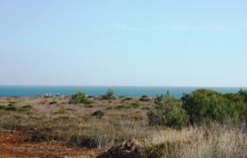 Residential for sale in Budens. A choice from 2 front line plots of land on the coast, Burgau, West Algarve