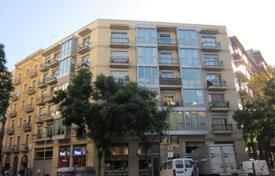 1 bedroom apartments for sale in Barcelona. Two-level apartment with a large terrace of 30 m² in a new building, next to the subway and the park, Barcelona, Eixample district