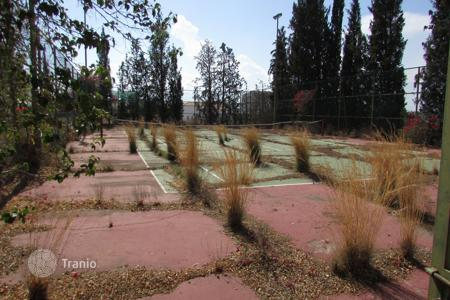 Coastal land for sale in Nicosia. 9,930m² Residential Plot in Engomi (Makedonitissa)