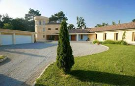 4 bedroom houses for sale in Pula. Luxury estate in central Istria
