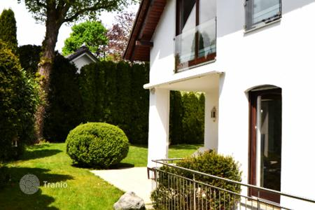 Luxury property for sale in Bavaria. Spacious villa near Grunwald forest