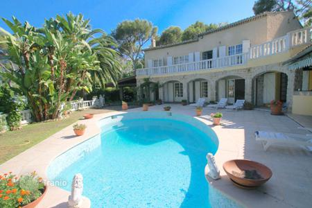 Luxury 5 bedroom houses for sale in France. Mediterranean style villa with garden, swimming pool, cookhouse, near the beach, in the center of Roquebrune-Cap-Martin, Cote d`Azur, France