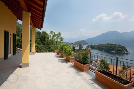 Foreclosed houses with pools for sale in Lombardy. Luxurious villa with panoramic views and huge terrace!