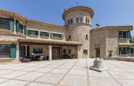 Property for sale in Balearic Islands. Luxurious country villa with landscaped gardens, swimming pool and views of the sea and the mountains, Pollensa, Mallorca, Spain