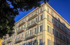 5 bedroom apartments for sale in Nice. Apartment — office on the Promenade des Anglais
