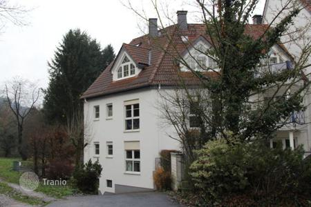 2 bedroom apartments for sale in Hessen. Modern, well-kept 2-bedroom apartment in Lorsbach, not far from Frankfurt. The price includes 2 parking spaces!
