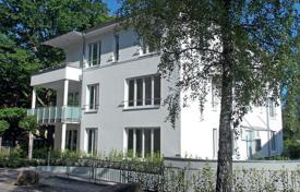 Apartments for sale in Baden-Baden. Spacious and elegant apartment in the park with a golf club, Baden — Baden, Germany