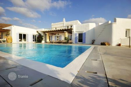 Coastal property for rent in Mikonos. Villa – Mikonos, Aegean, Greece