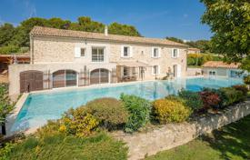 Property for sale in Bouches-du-Rhône. Close to Aix-en-Provence — 19th century bastide entirely renovated
