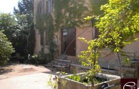 Cheap 5 bedroom houses for sale in France. South Burgundy – Near CLUNY — Beautiful 19th century stone house with 1300m² of land