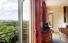 2 bedroom apartments for sale in Paris. Paris 7th District – A magnificent apartment in a prime location
