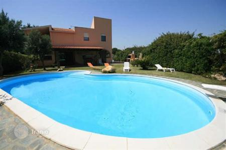 Coastal villas and houses for rent in Sardinia. Villa - Quartu Sant'Elena, Sardinia, Italy