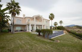 Villa with stunning views of the mountains and the sea in Estepona, Andalusia, Spain for 2,950,000 €