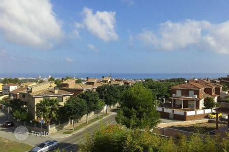 Coastal houses for sale in Costa Dorada. Villa - Calafell, Catalonia, Spain