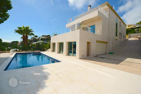 6 bedroom houses for sale in Costa Brava. New luxury villa on the Costa Brava