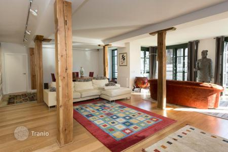 3 bedroom houses for sale in Bilbao. Spacious house with a terrace and Jacuzzi, Albia, Bilbao, Spain
