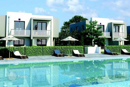 Off-plan residential for sale in Paphos (city). Spacious villas in a new development