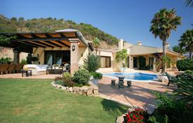 Rustic style villa with a pool and a large plot, Benahavis, Andalusia, Spain for 1,495,000 €