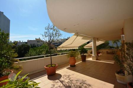3 bedroom apartments for sale in Antibes. 3 bedroom apartment 94 m² — Juan les Pins — Close to the beach