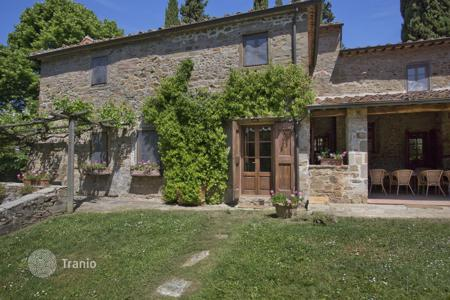 6 bedroom villas and houses to rent in Volpaia. Villa - Volpaia, Tuscany, Italy
