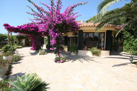 2 bedroom houses for sale in Majorca (Mallorca). Villa – Es Capdellà, Balearic Islands, Spain
