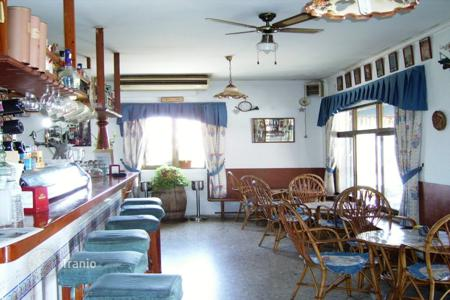 Commercial property for sale in Southern Europe. Restaurant with terrace and apartment house in Els Poblets, Costa Blanca