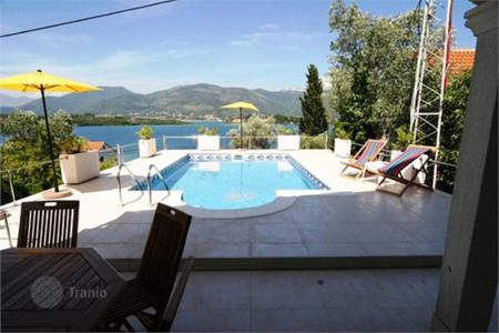 Houses with pools for sale in Tivat (city). Modern villa 150 meters from the beach, on the peninsula Lustica, in the village of Krtole
